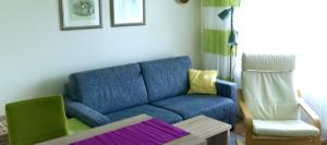 App 6 Wohnzimmer Richtung Sofa Fenster
